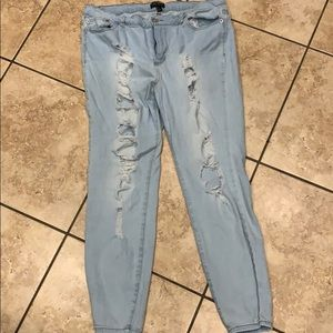 Light skinny jeans distressed
